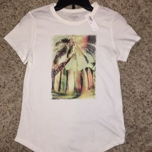 White old navy graphic T